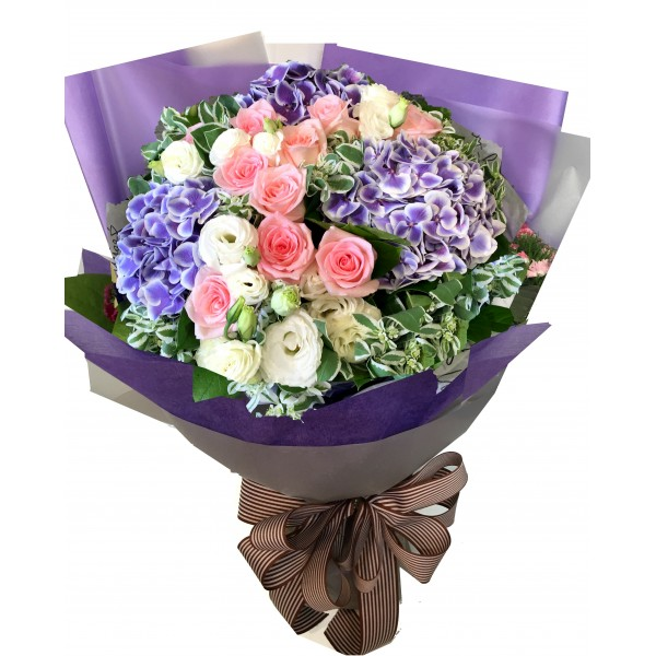 Hydrangea and roses bouquet a