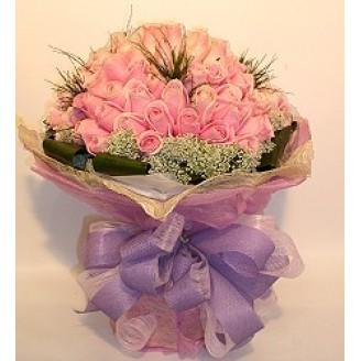 33 Romantic Roses